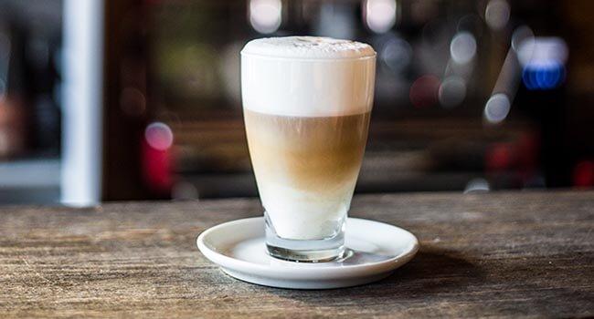 Kawa z ekspresu w kawiarni Karkonosz